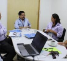 Foto Reunión de comisionados con personal de INEGI