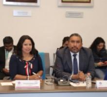 Foto Comisionada presidenta de IMIPE y comisionado de Infoem