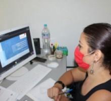 Imagen de la coordinadora de protección de datos personales del IMIPE, durante el diplomado